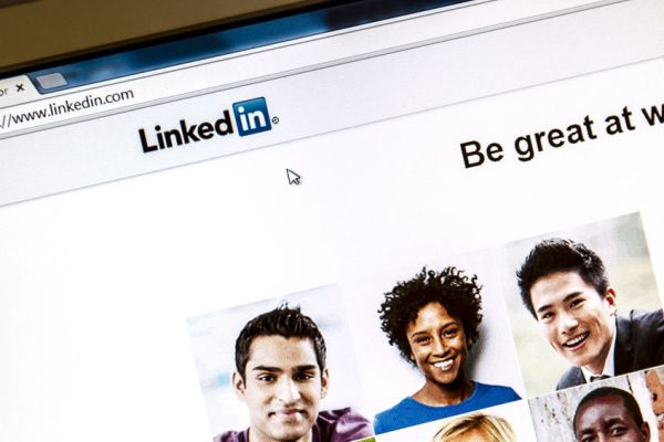 10 ways to beef up your LinkedIn profile