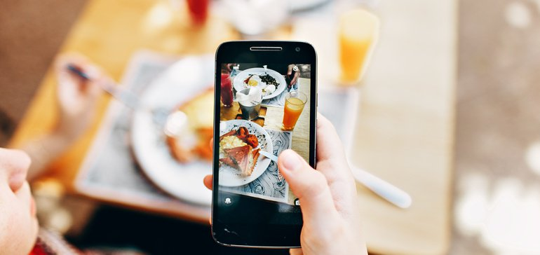 Facebook turns photos into recipes through new AI system