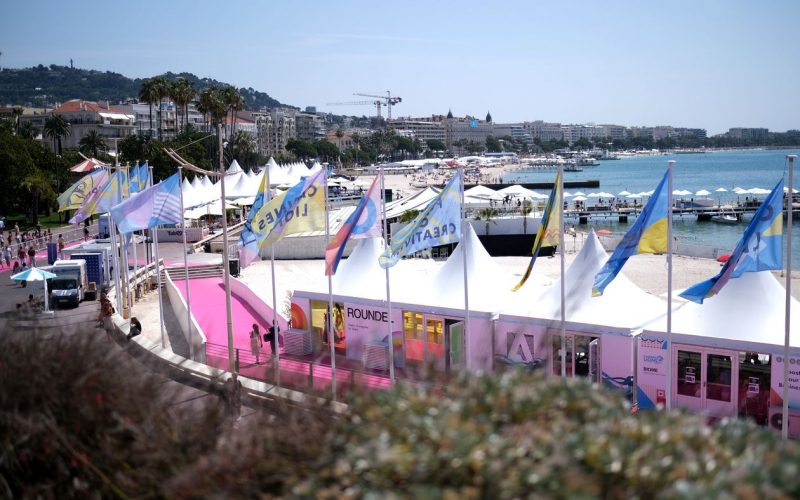 In Sunny Cannes, Marketers Fret Over Dark Content Online
